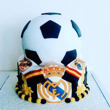 boys football cakes