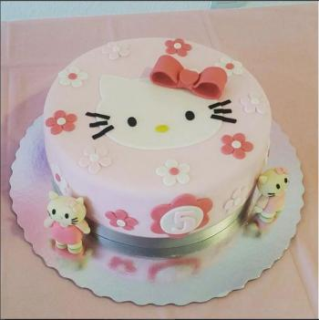 cake hello kitty