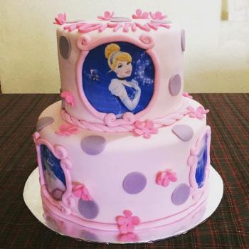 cinderella themed cake