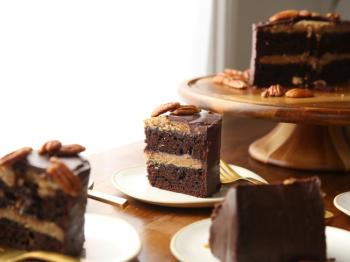 Double Chocolate Praline Fudge Cake