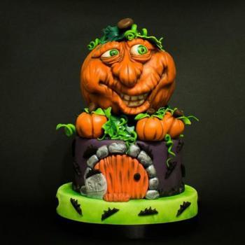 happy halloween pumpkin cake
