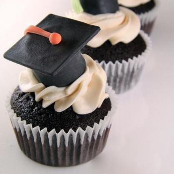 images of graduation cupcakes